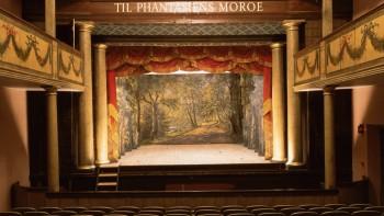 http://www.visitaarhus.com/ln-int/central-jutland/theatre/theatres-aarhus